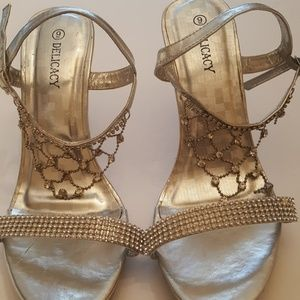 Delicacy shoes